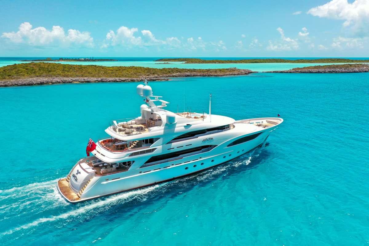 Yacht AVALON