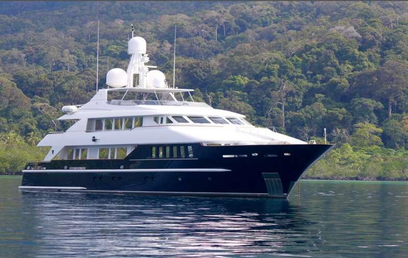 Yacht LADY AZUL