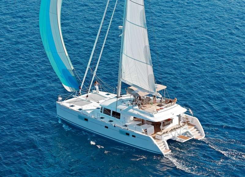 Yacht Ultra Violette