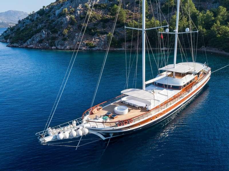 Yacht HALCON DEL MAR