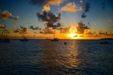 Yacht Three Moons customer review image