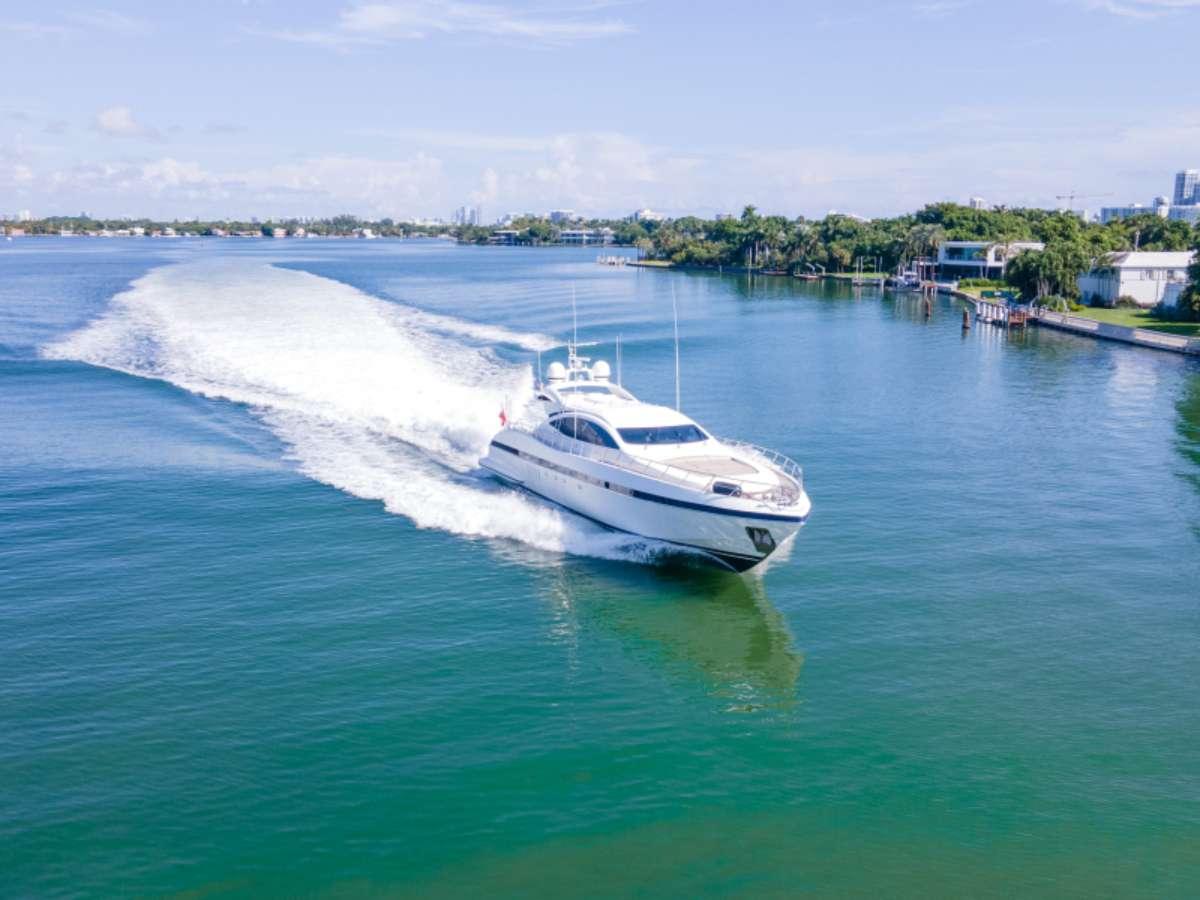 Power Yacht EVA