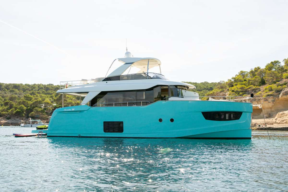 Power Yacht MAYBE5