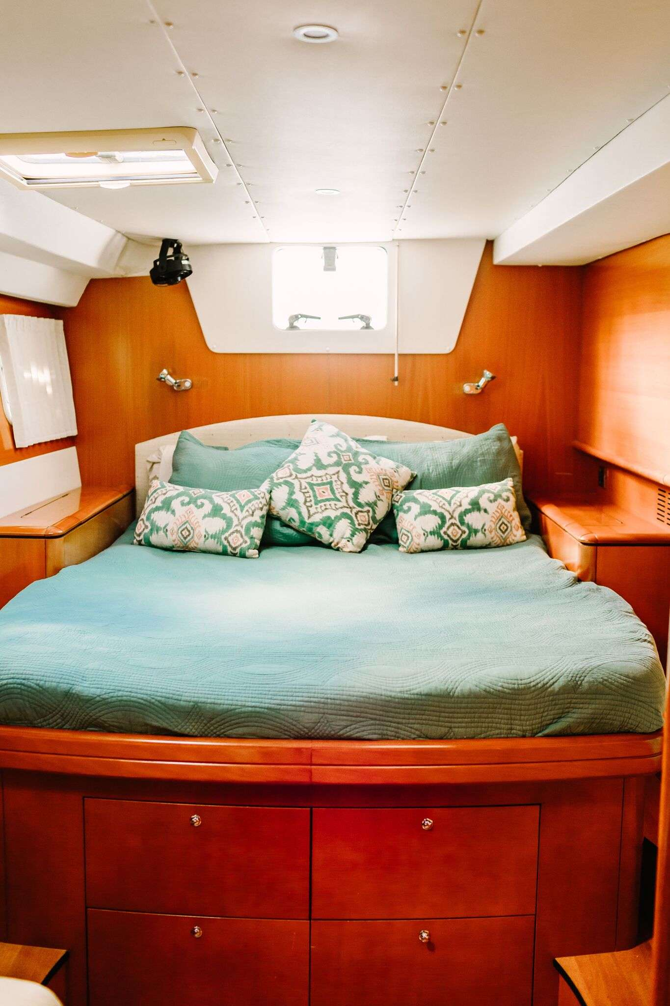 Starboard guest cabin #2