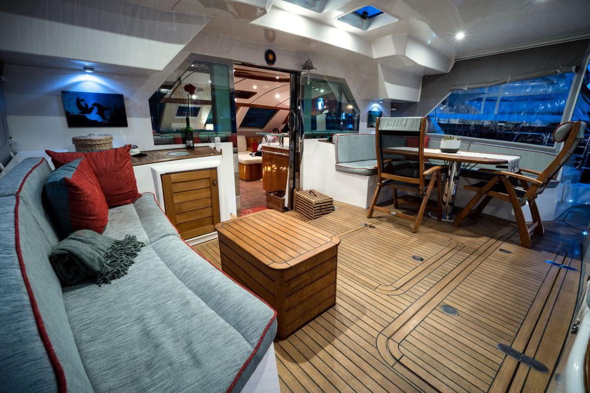 Roomy cockpit
