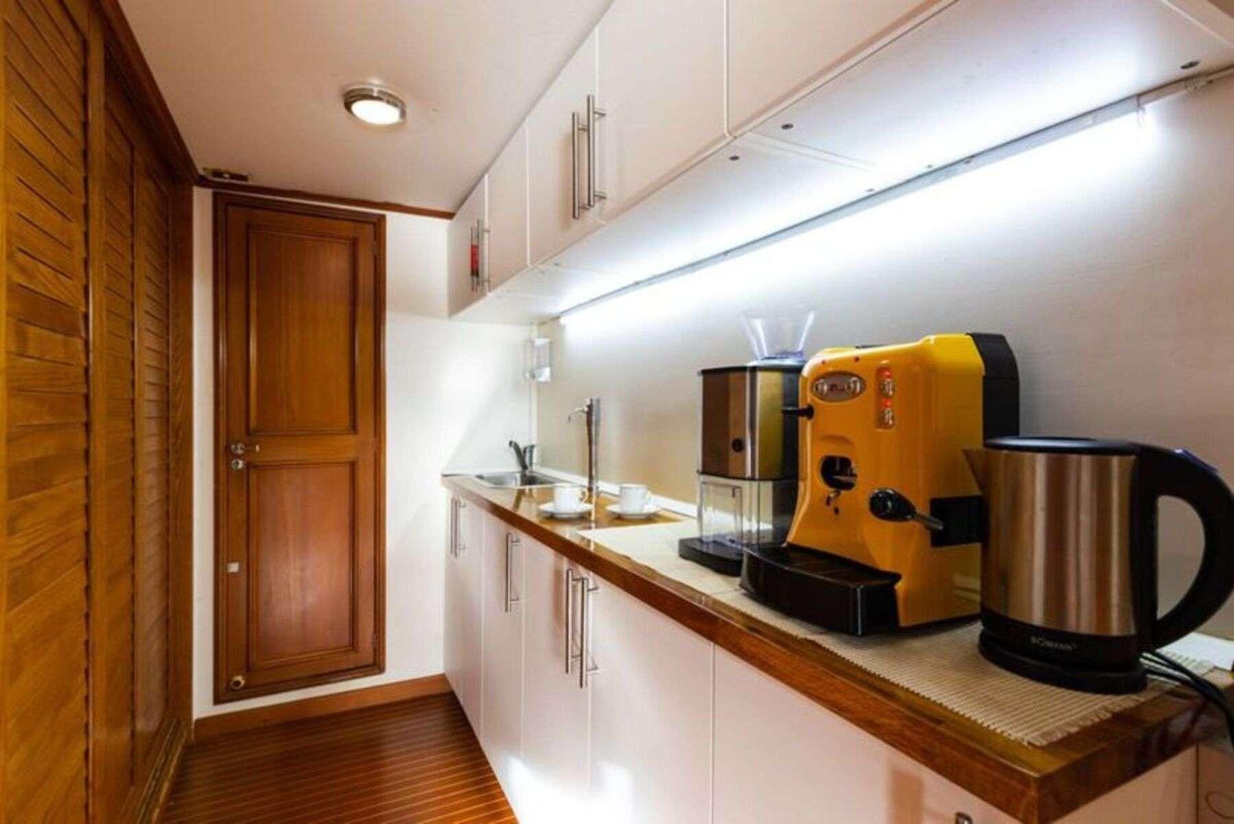 NAFISA Double cabin detail
