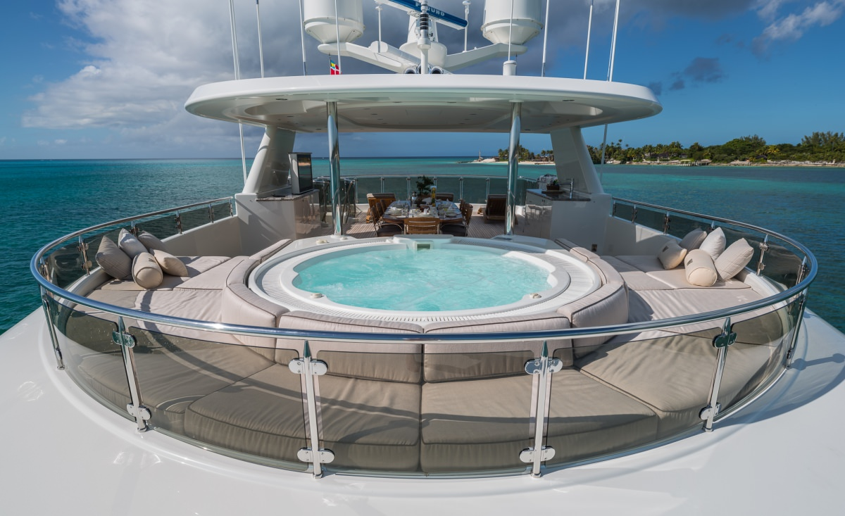 Sun Deck Jacuzzi and dining