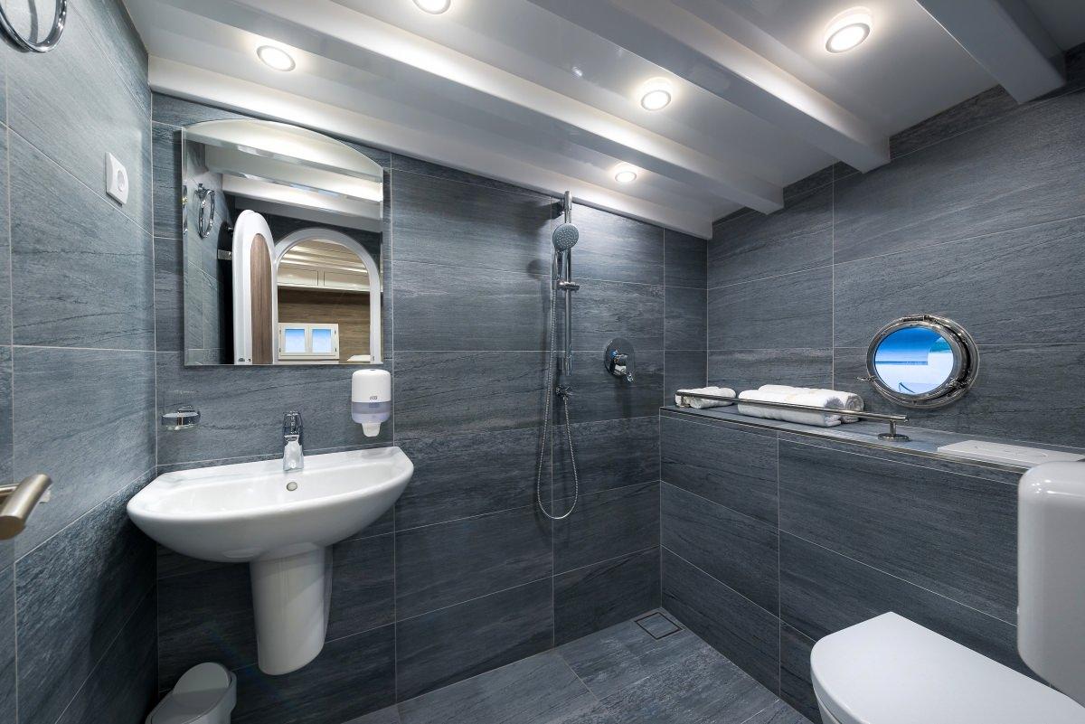 Andjeo - bathroom