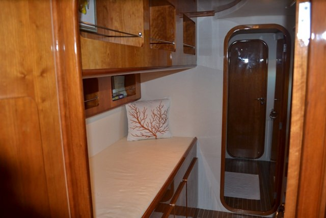 Single berth