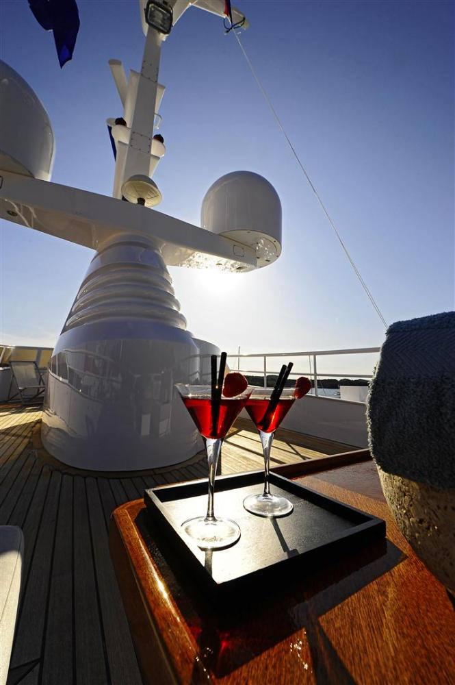 motor yacht BERZINC