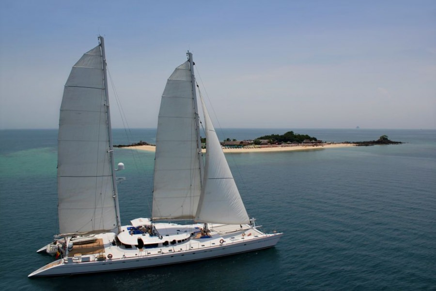 Charter with DOUCE FRANCE on compassyachtcharters.com