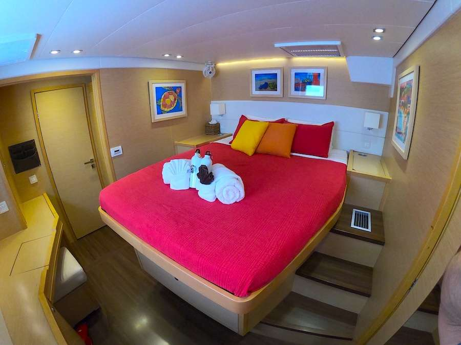 Starboard forward guest suite
