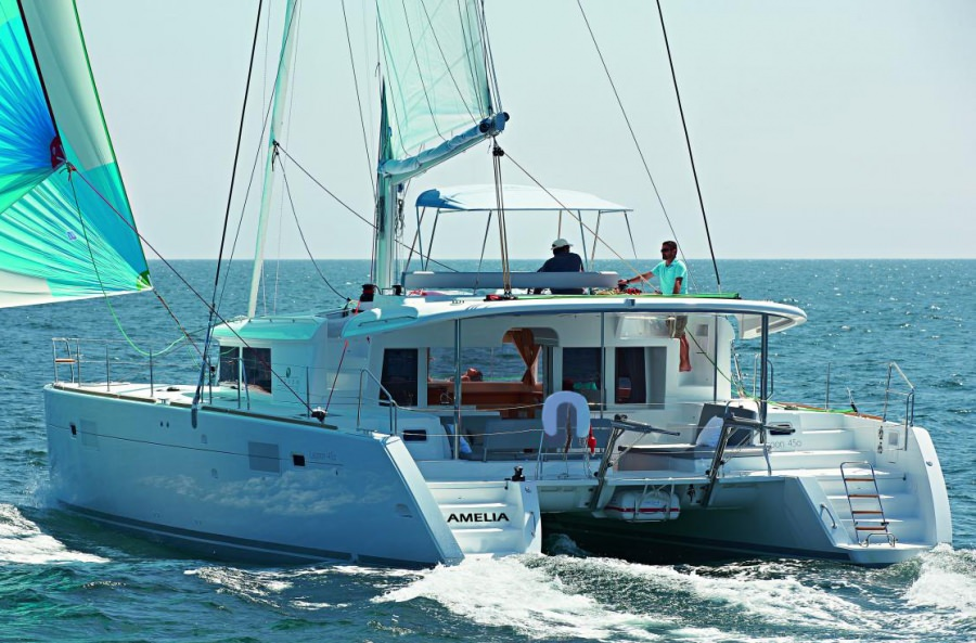 Charter with AMELIA on compassyachtcharters.com