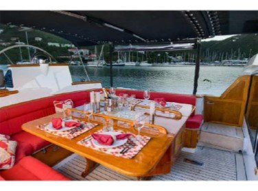 MUSTANG Aft Deck Dining