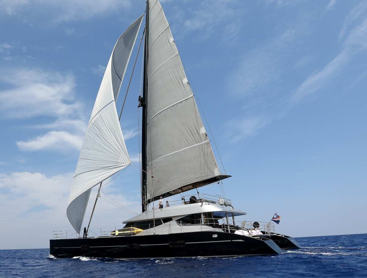 Charter with BLACK SWAN on compassyachtcharters.com