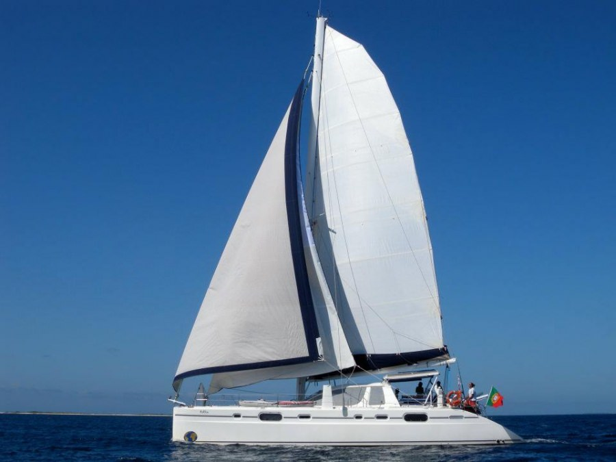 Charter with FOLLIA on compassyachtcharters.com