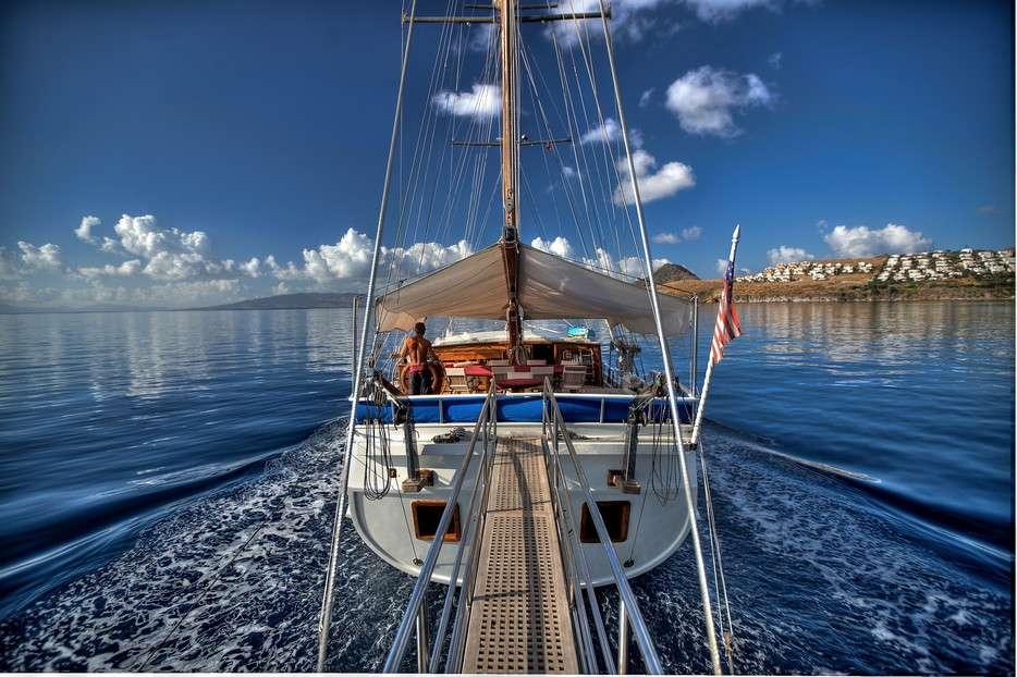 LADY ELIZABETH Under Full Sail