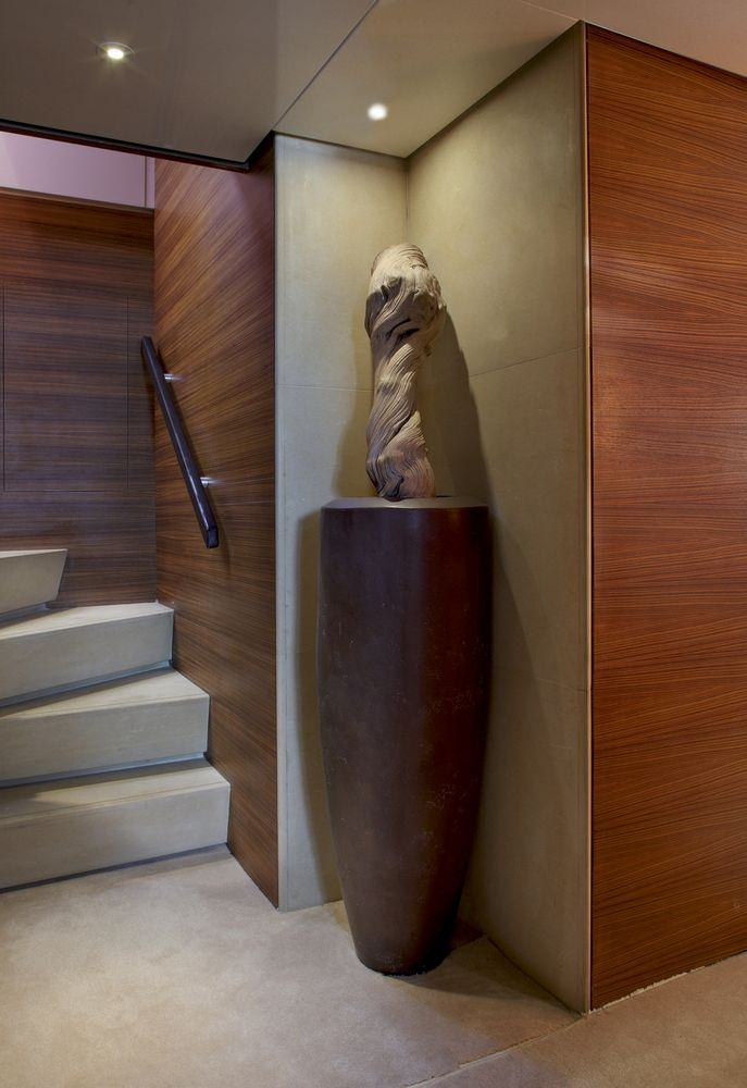 TROPICANA Hallway
