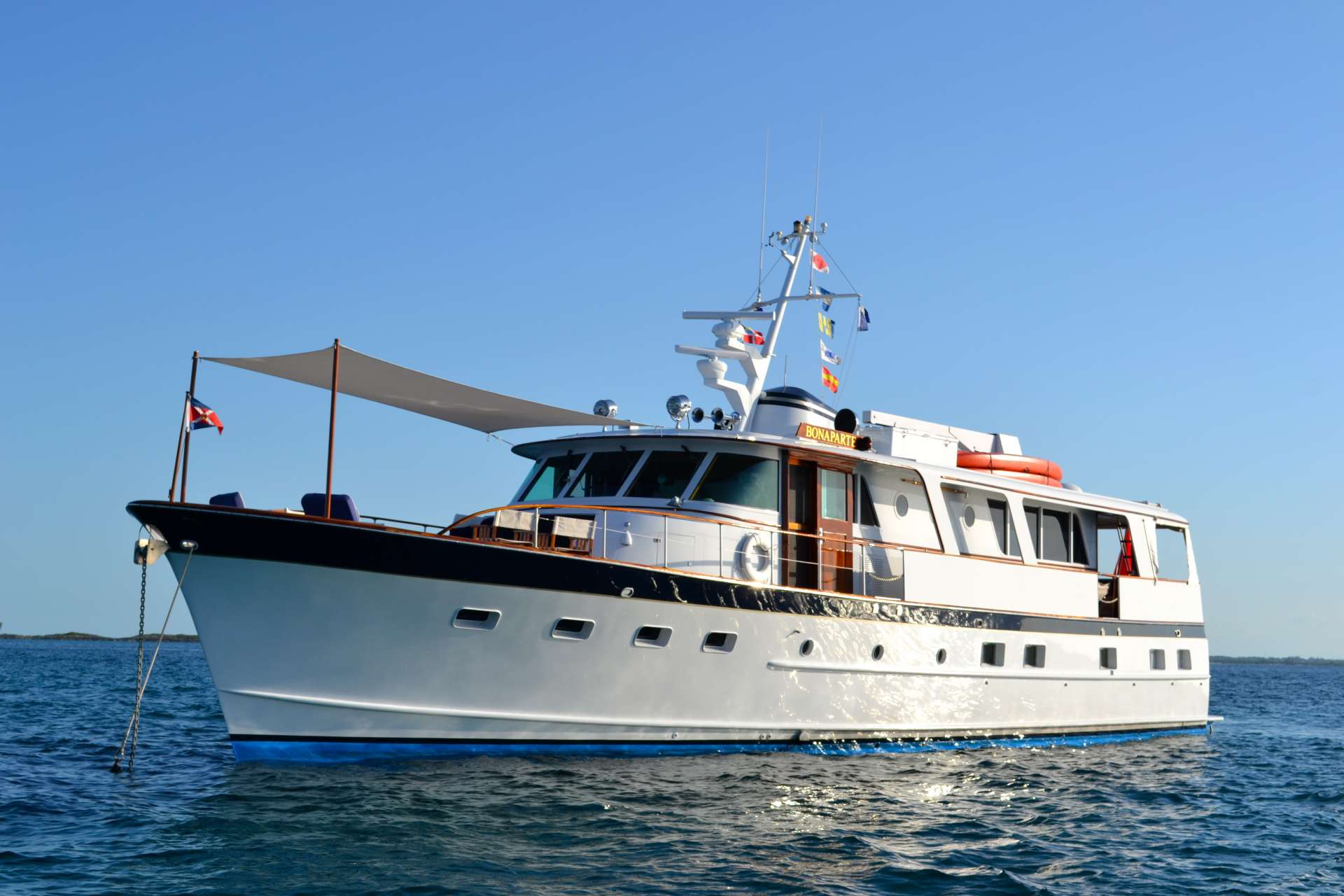 Charter with BONAPARTE on compassyachtcharters.com
