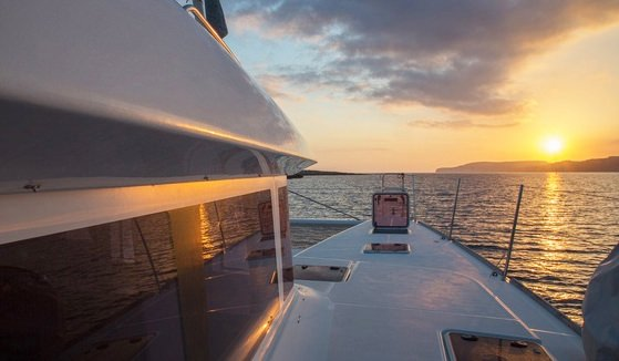 MOUN BEU Sail Off Into the Sunset on Moun Beu