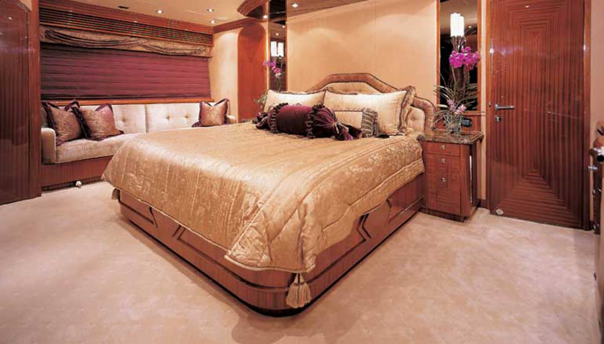 CAMELOT Master Stateroom