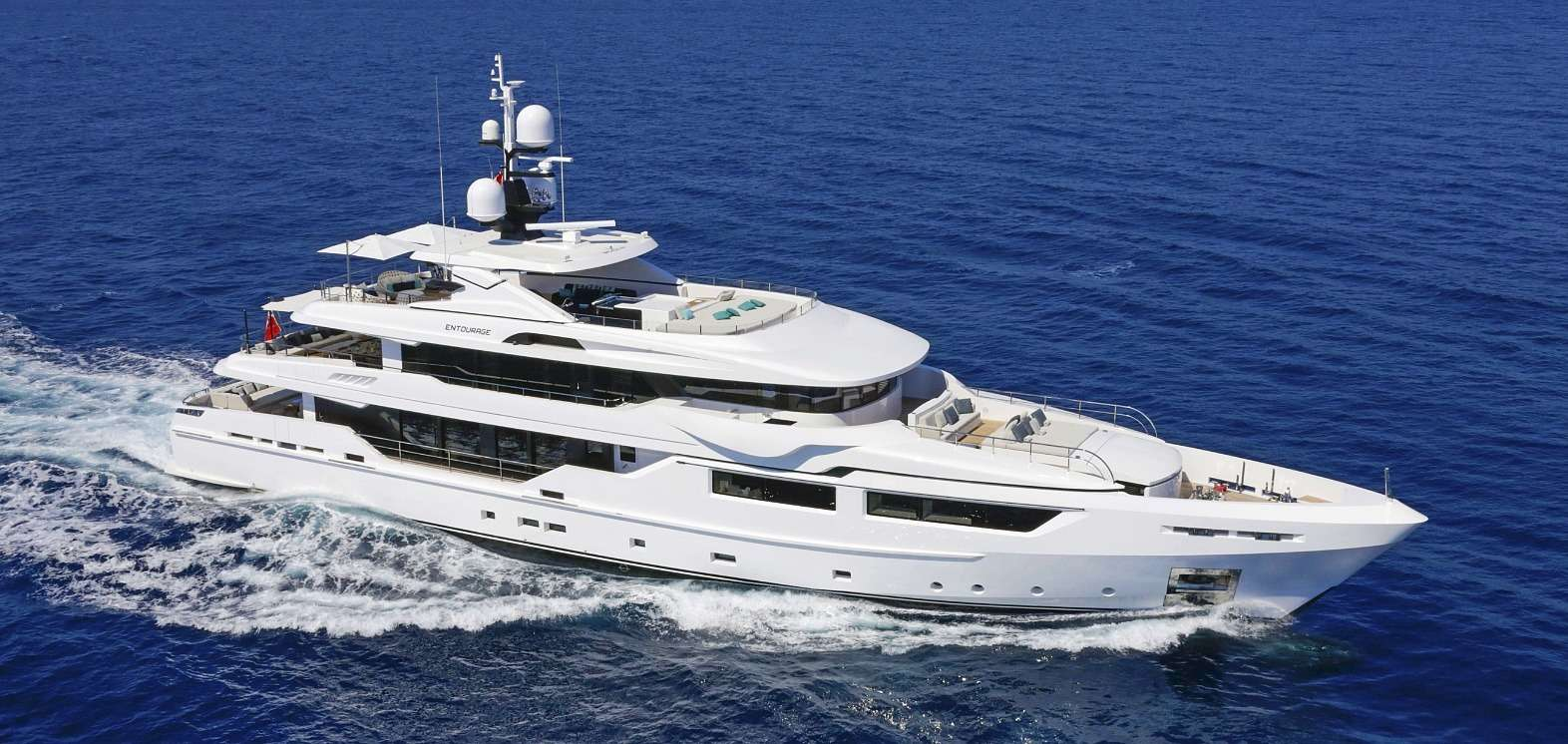 Charter with ENTOURAGE on compassyachtcharters.com