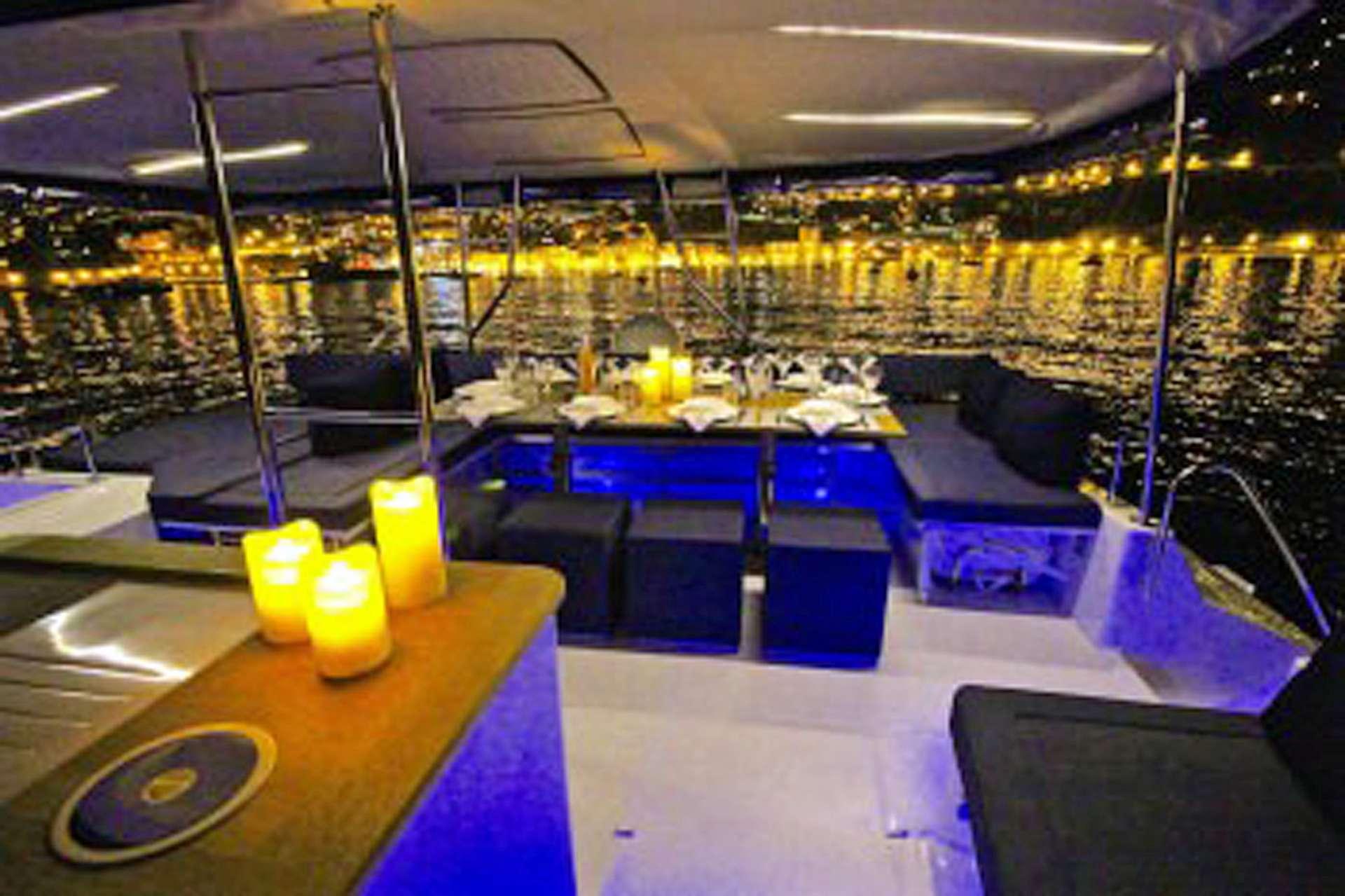 Fine Dining on a Fine Yacht!