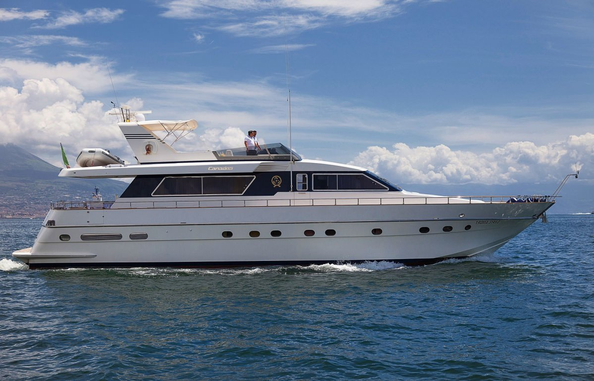 Charter with BERNADETTE on compassyachtcharters.com