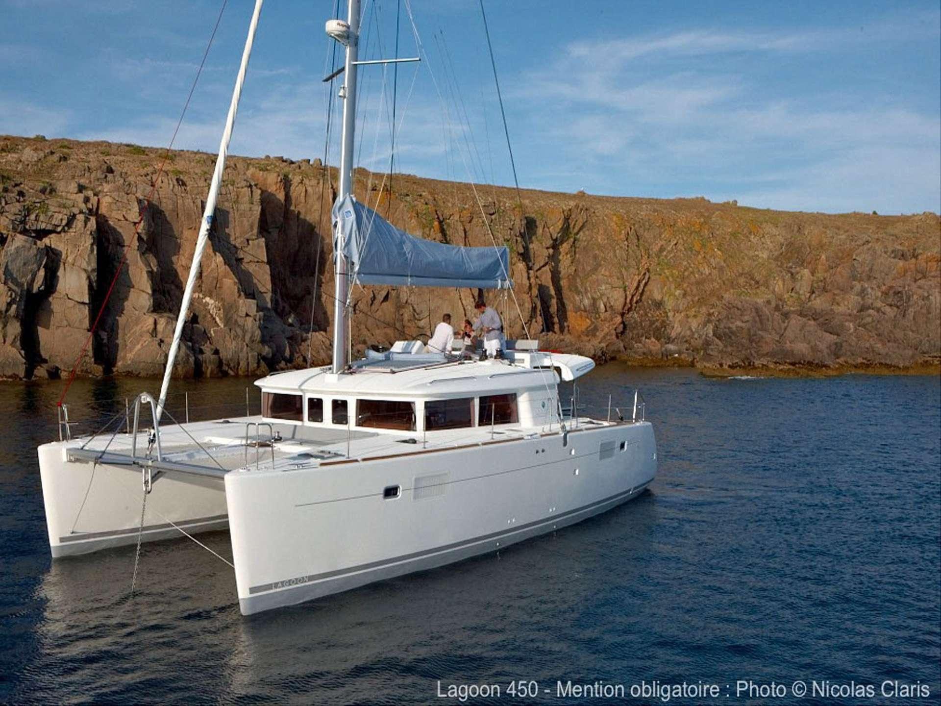 DELICIA Spinnaker Sailing