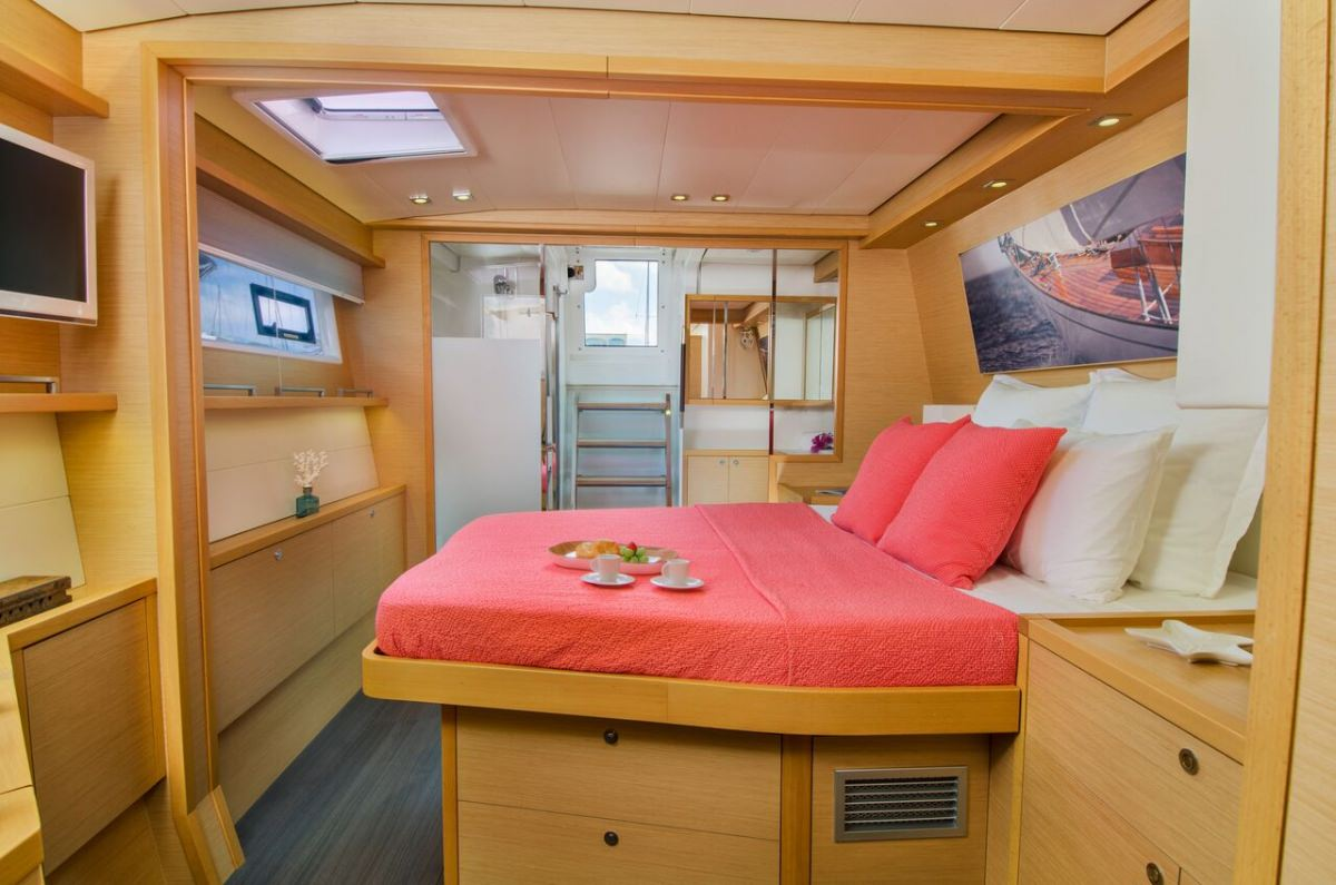 Aft starboard guest suite
