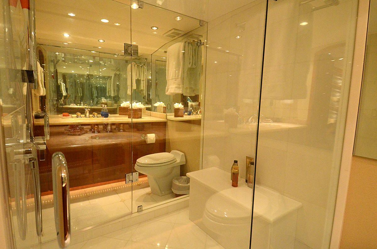 SEACLUSION Master Bathroom