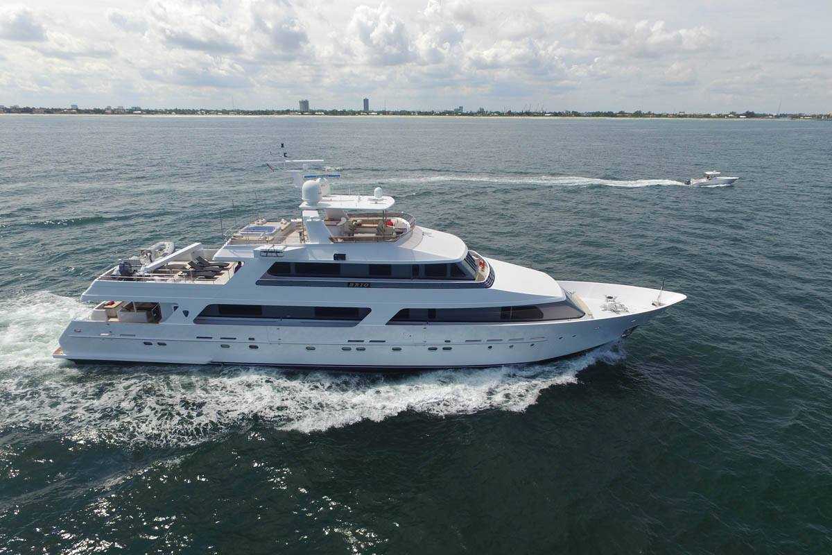 Charter with BRIO on compassyachtcharters.com