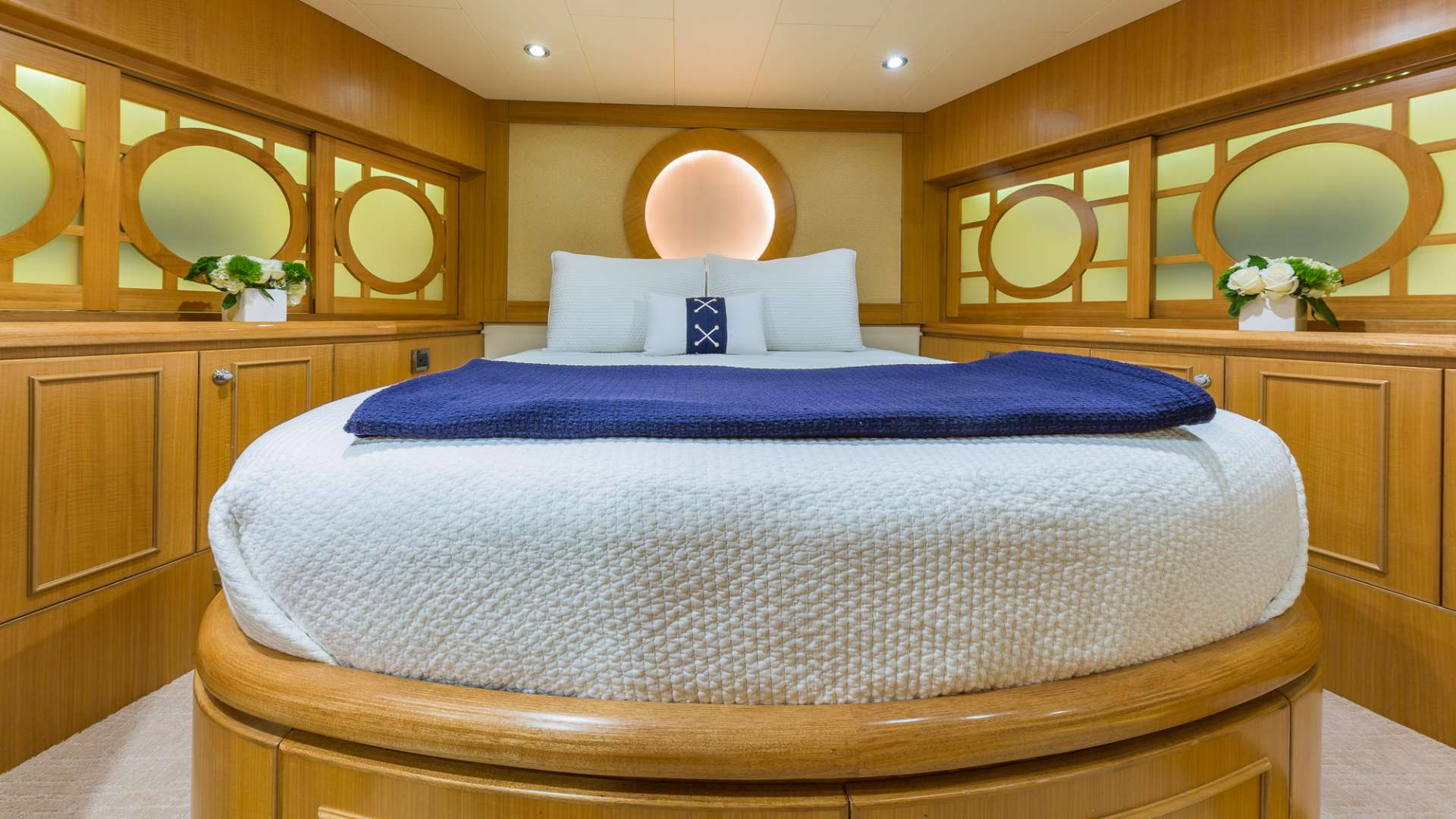 FOREVER YOUNG VIP Stateroom, forward of galley