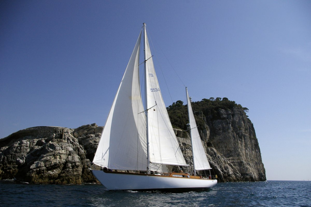 Charter with CADAMA on compassyachtcharters.com