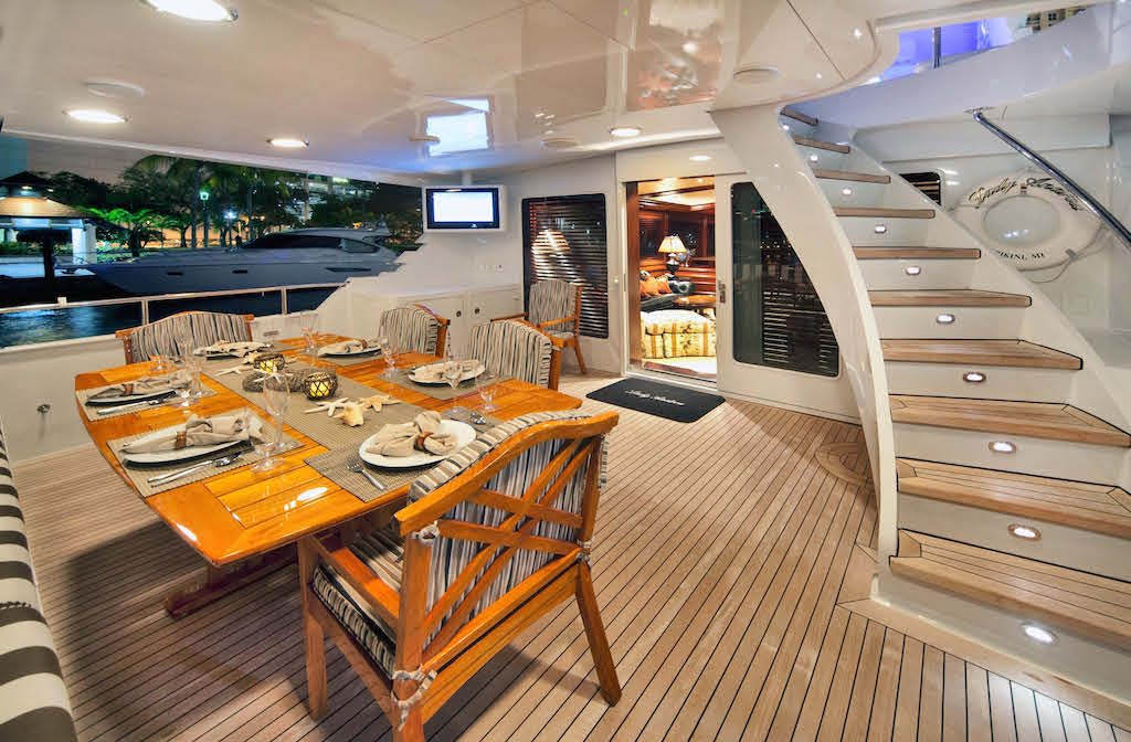 Aft deck and al fresco dining area