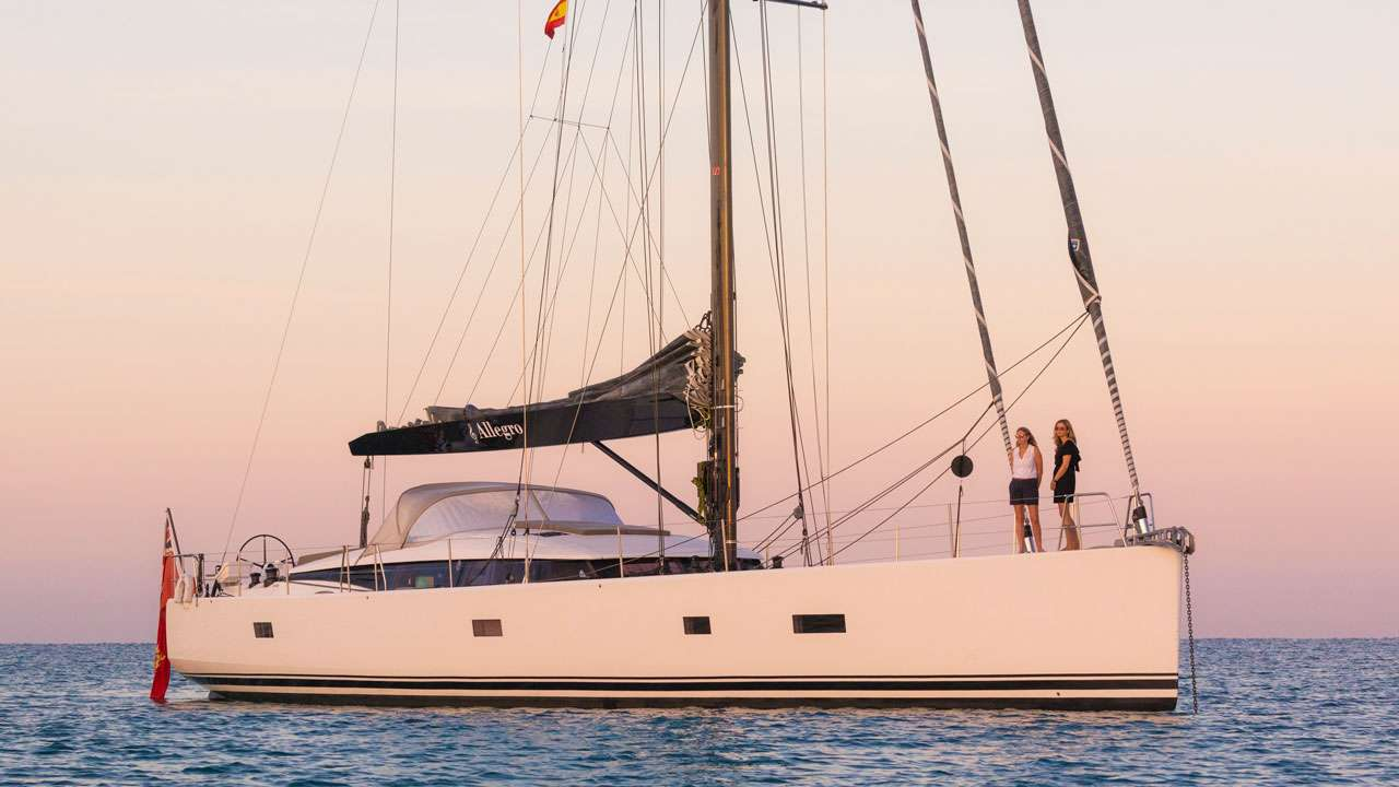 Charter with ALLEGRO on compassyachtcharters.com
