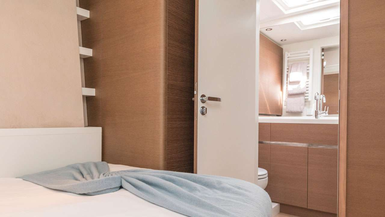 Port guest cabins as double bed