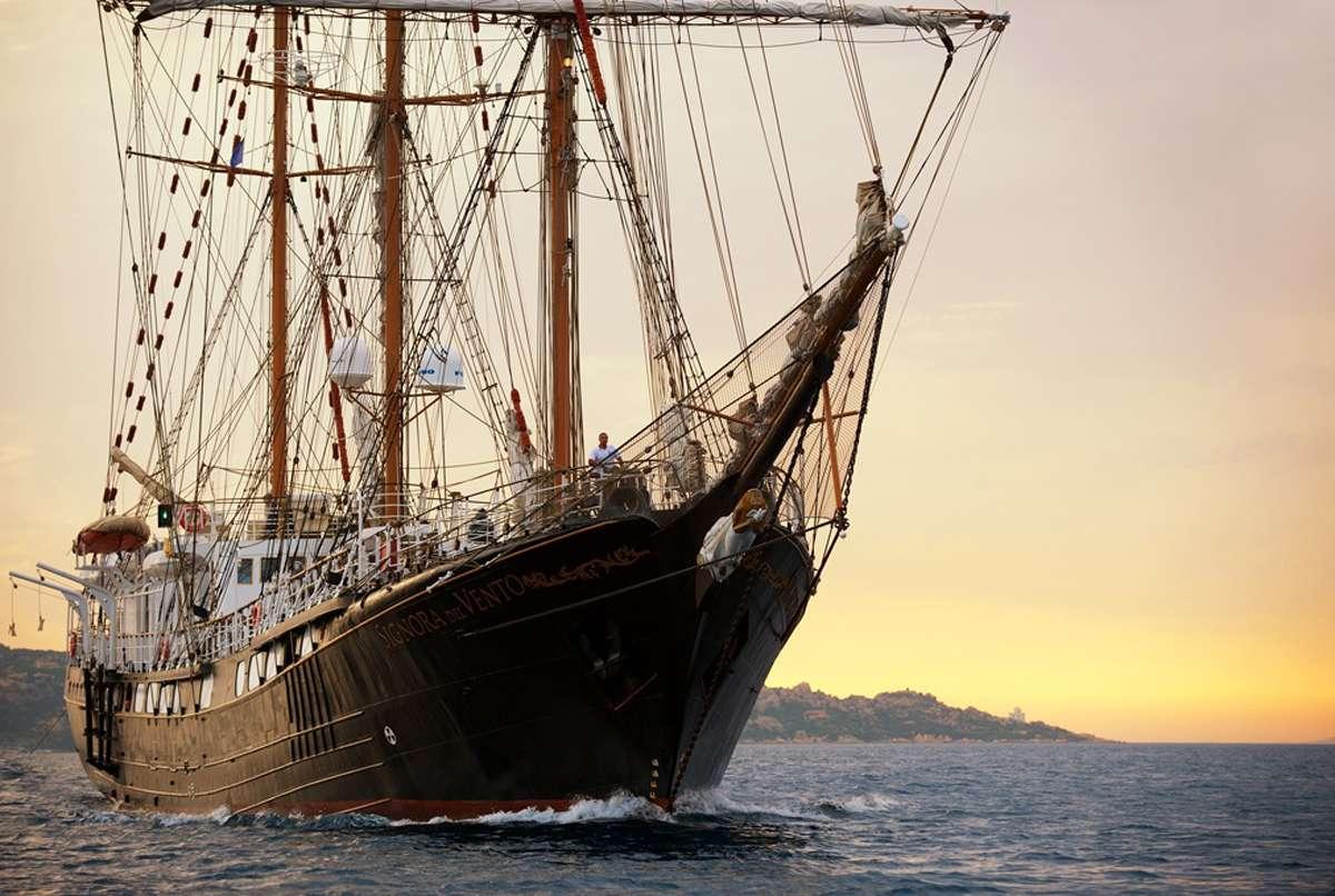 Signora Del Vento Superyacht Charter