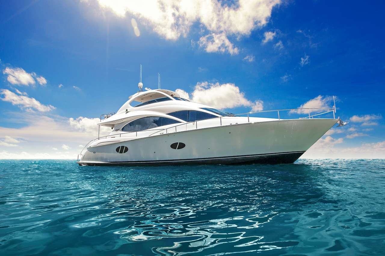 Charter with DIVINE DESTINY on compassyachtcharters.com