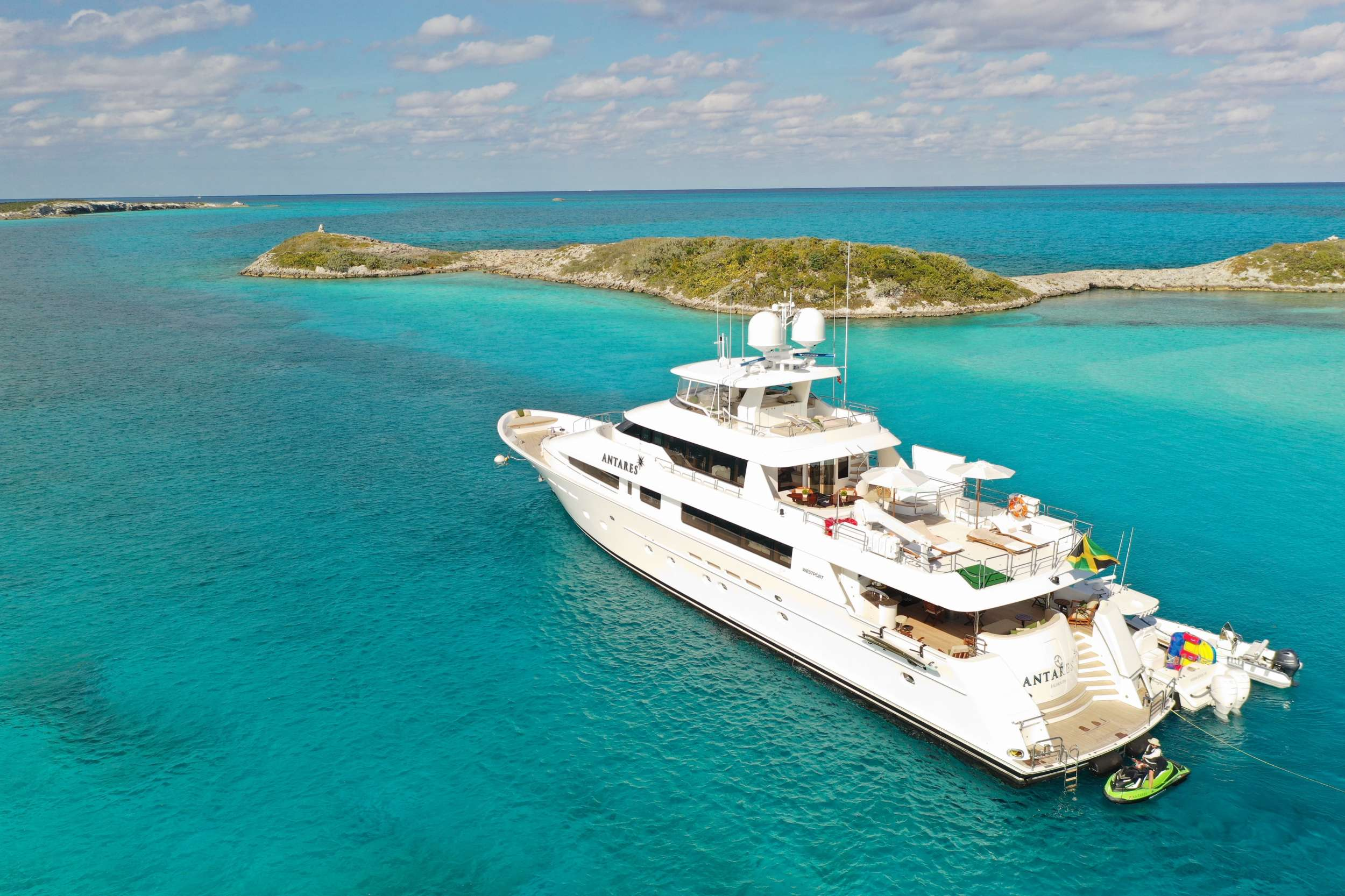 Charter with ANTARES on compassyachtcharters.com