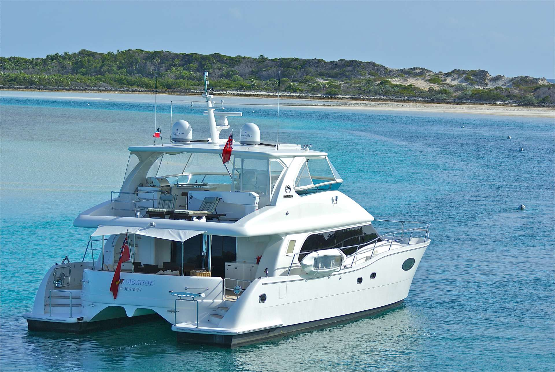 Charter with BLUE HORIZON on compassyachtcharters.com
