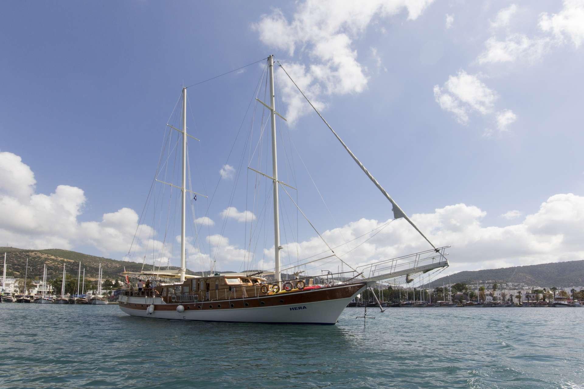 Sailing Yacht Hera