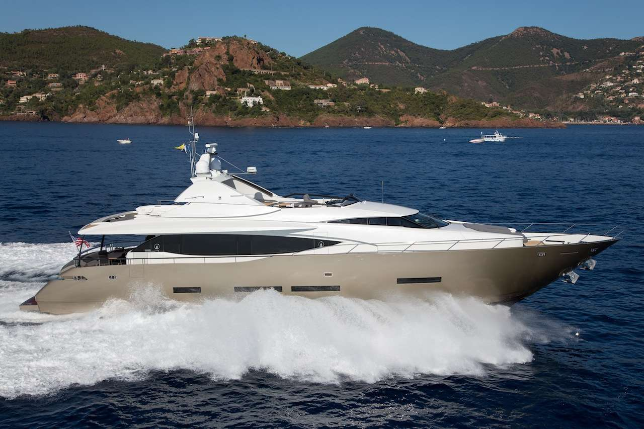 Power Yacht Keros Island