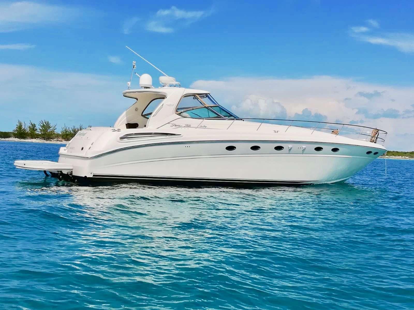 Power Yacht Victoria