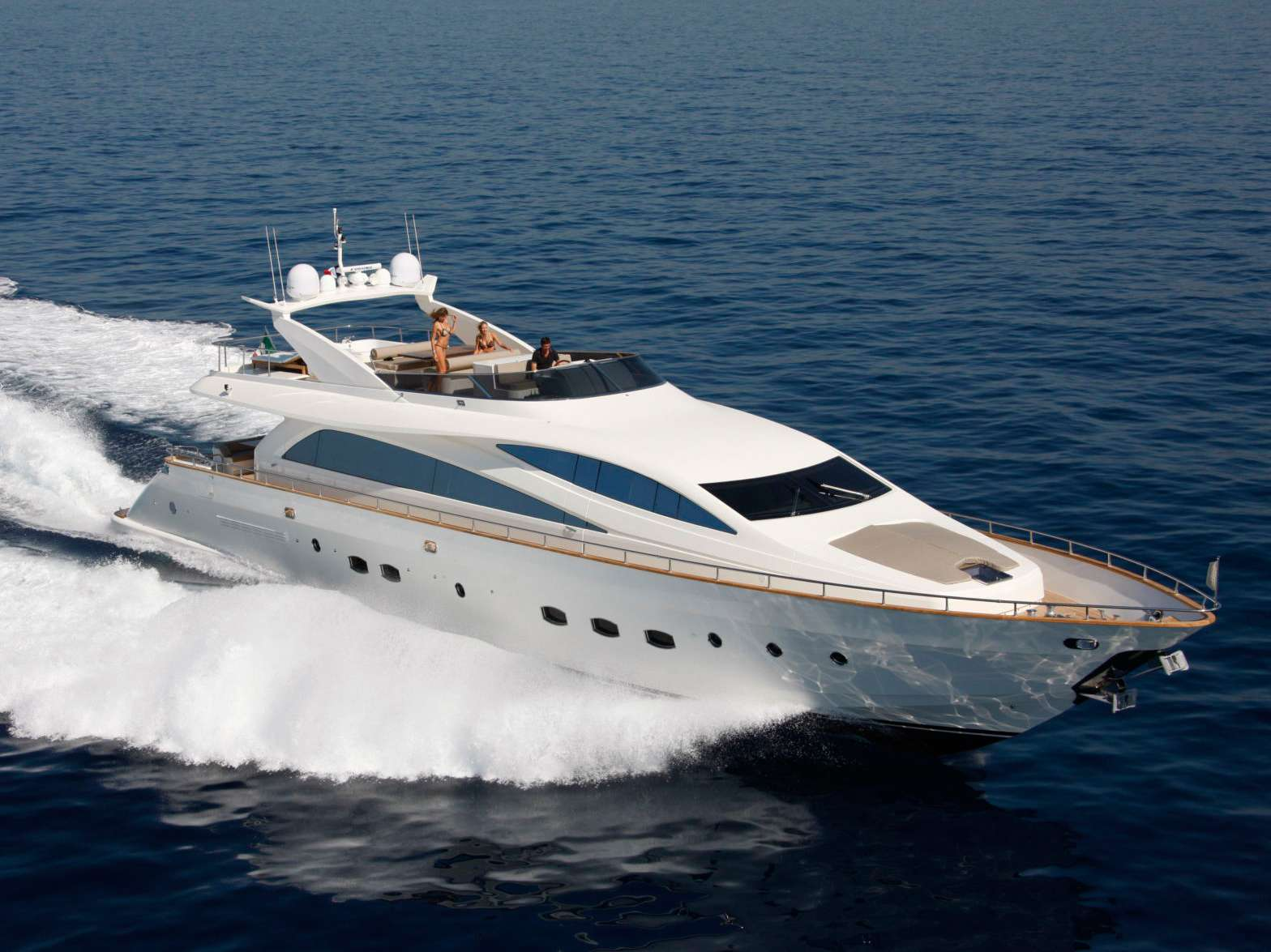 Power Yacht Amer-ica