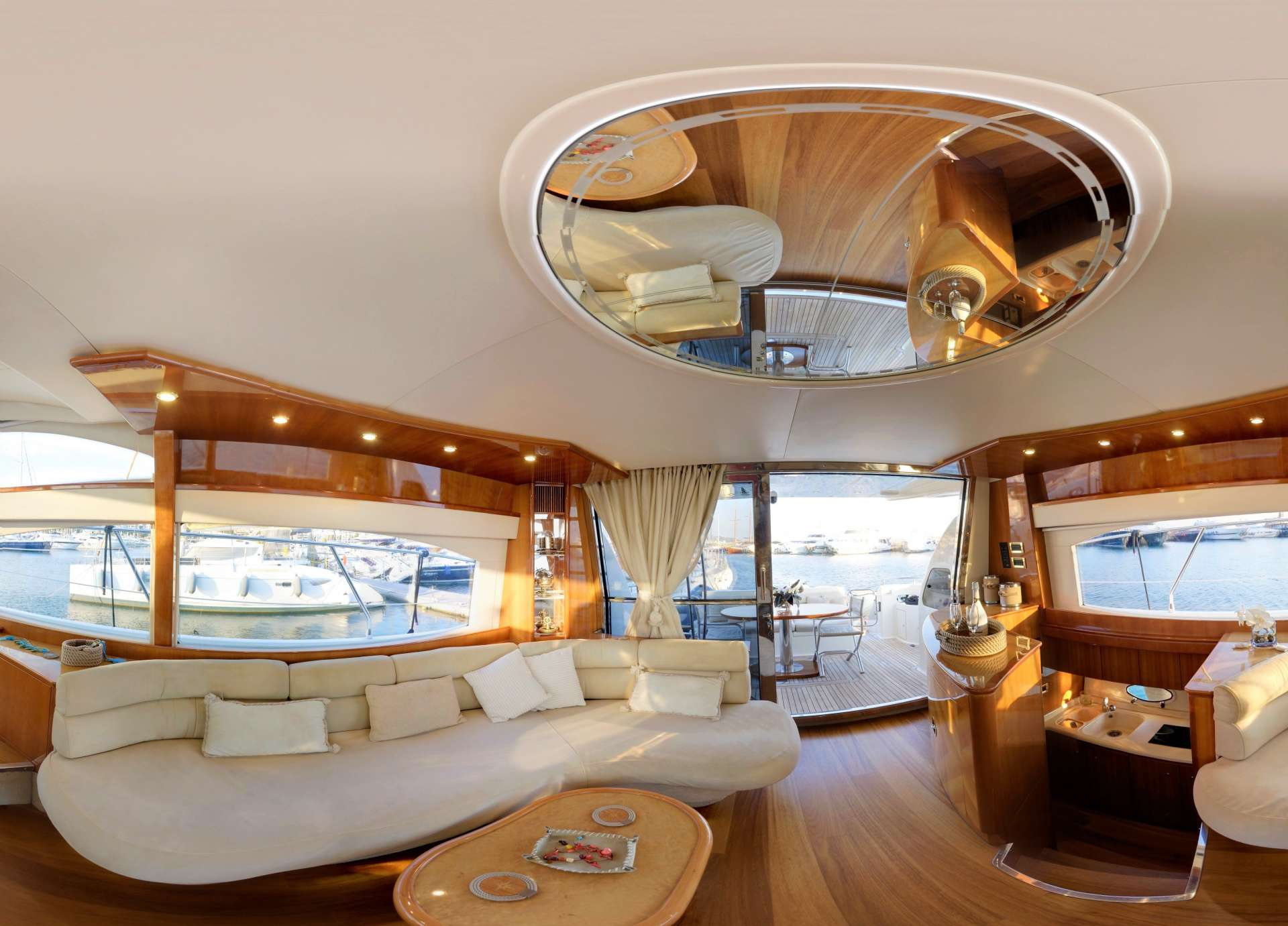 Power Yacht AVENTURA II