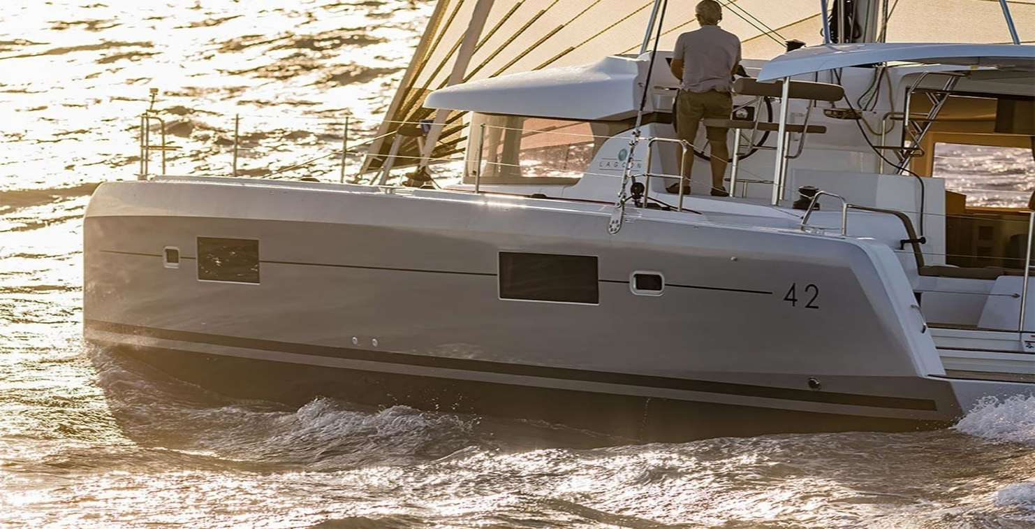 Catamaran ALICE Lagoon 42
