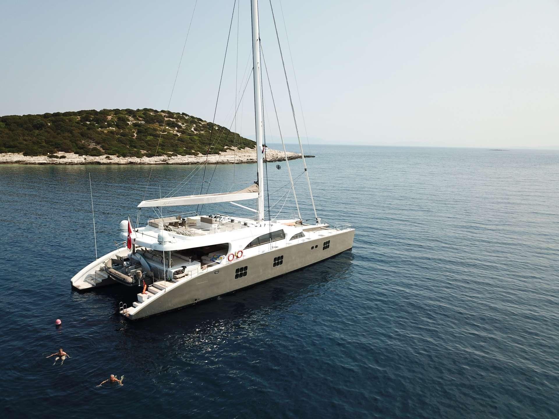 Catamaran IPHARRA
