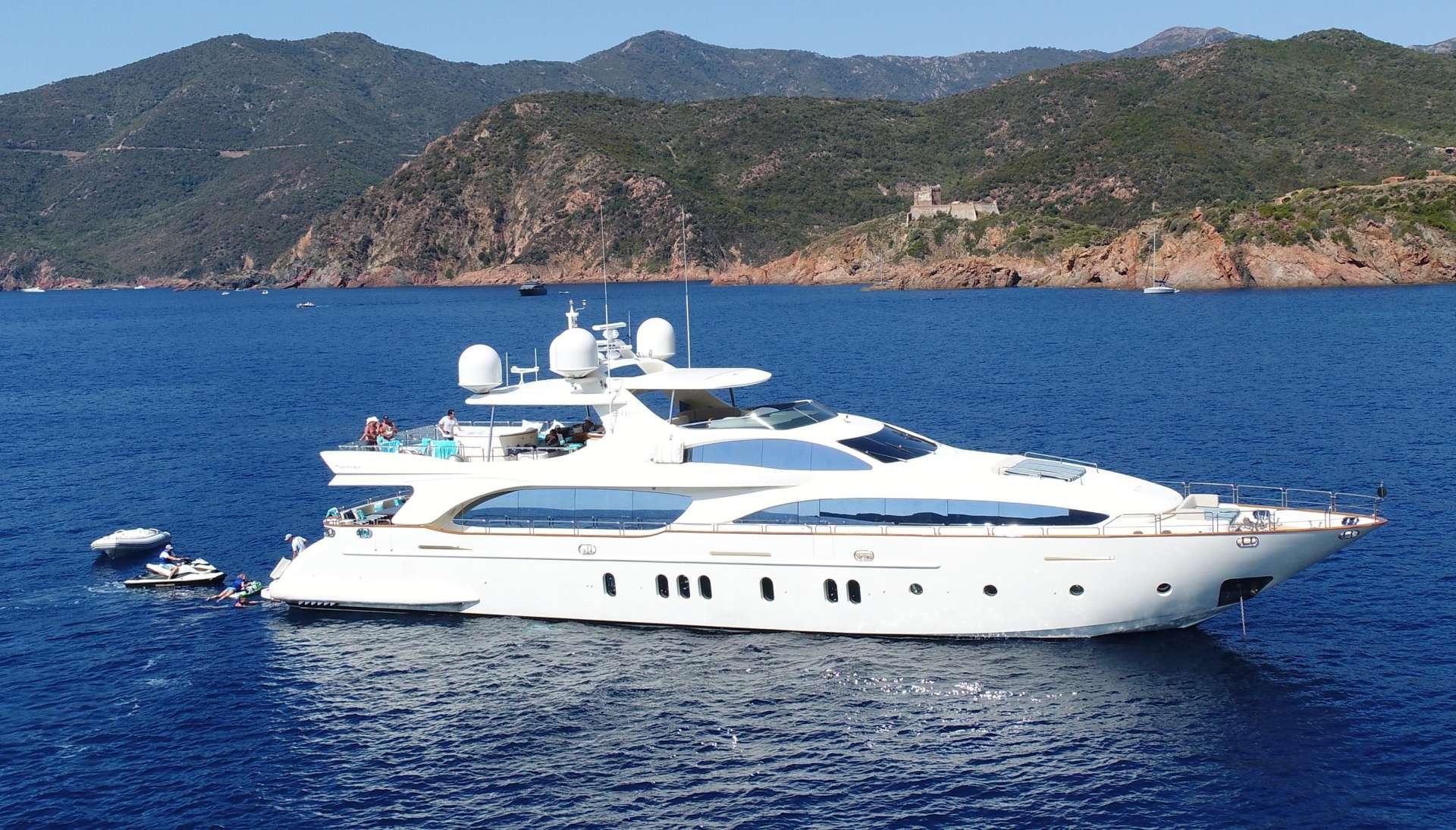 Power Yacht Sweet Emocean