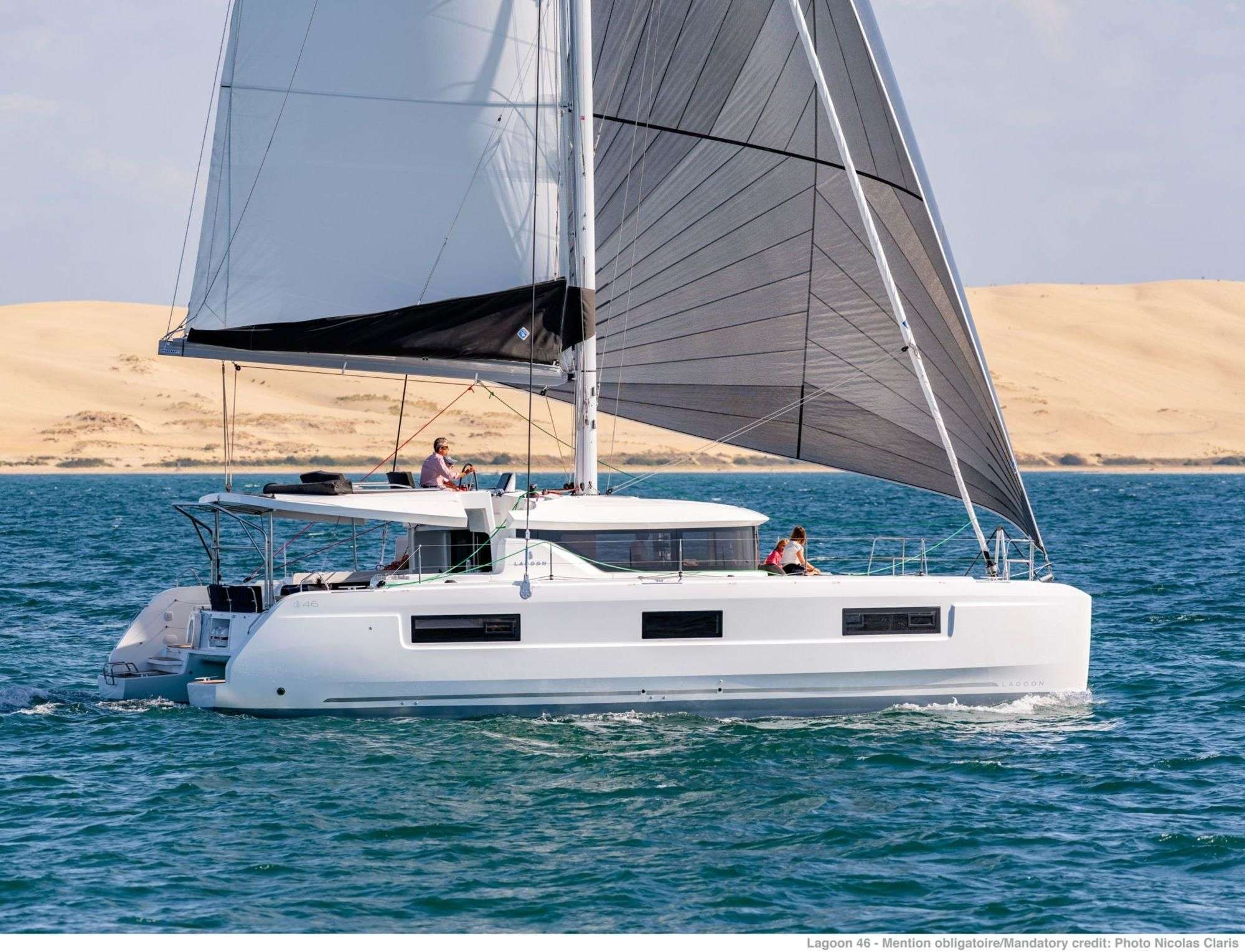 Catamaran KING VIVI